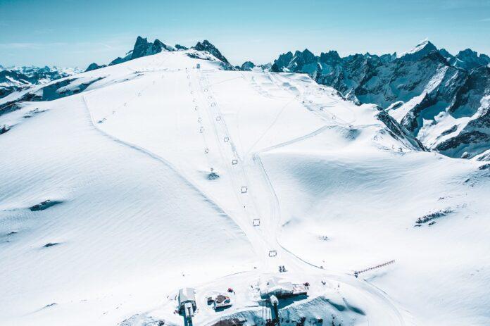 ©Les 2 Alpes door Luka Leroy - Gletsjer op 26 mei